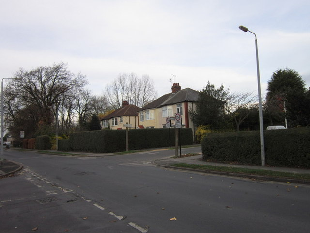 Tween Dykes Road at Highfield (road)