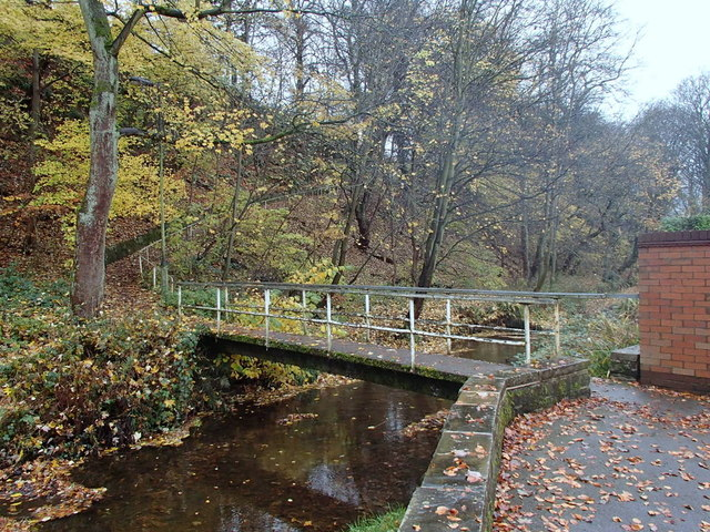 Footbridge over Oldhay Brook