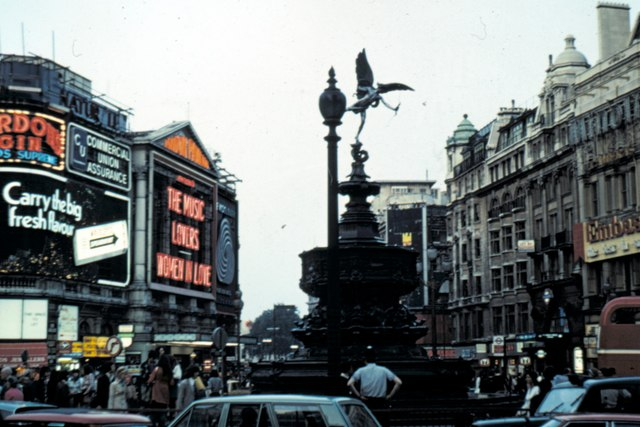 London, Piccadilly - 1975