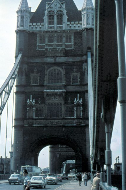London, Tower Bridge - 1975