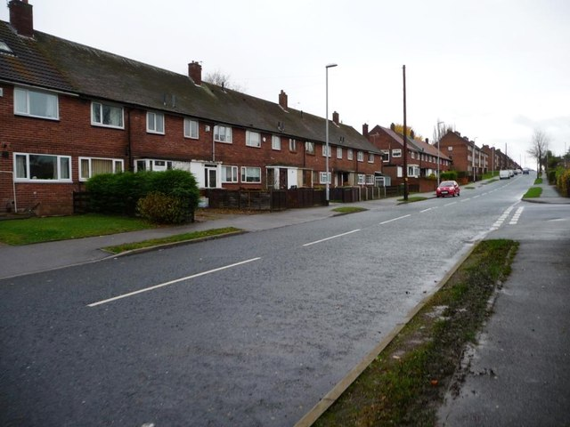 Terraced houses, south side of Fearnville Road