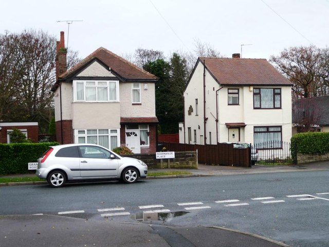 Detached houses with a view up Reinwood Avenue