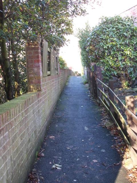 Footpath - Leeds Road