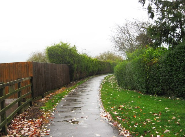 Footpath from Gloucester Road Car Park to Victoria Gardens, Tewkesbury