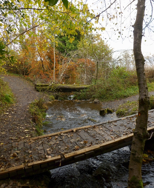 Footbridge over the Glen Burn
