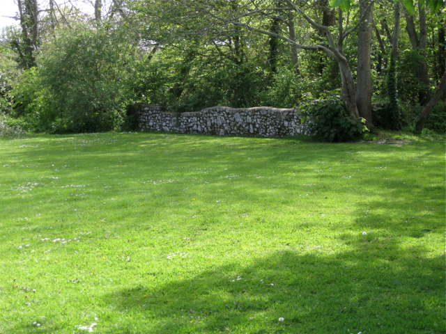 Remains of kennels, southwest corner of Oakford Lawn