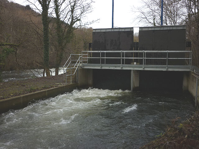 Intake for the mill race, River Leven