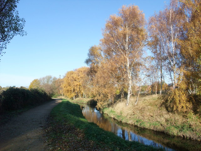 Cycle Route 6 joining the River Leen