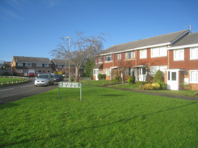 Houses along Britten Road