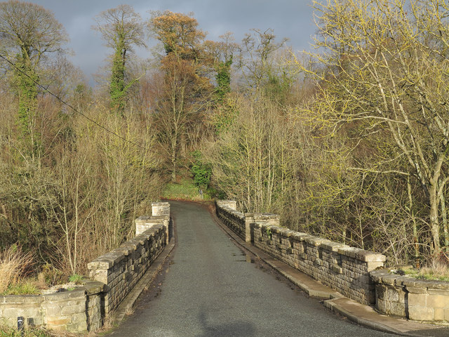 Minor road crossing Abbey Bridge