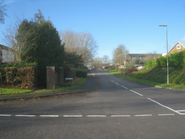 Looking along Stanford Road