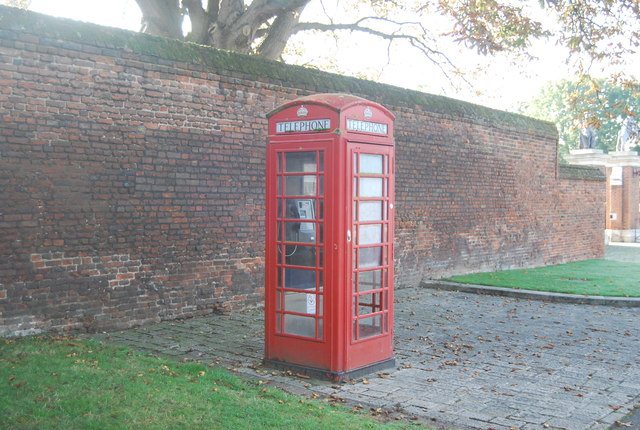 Telephone Kiosk outside Hampton Court