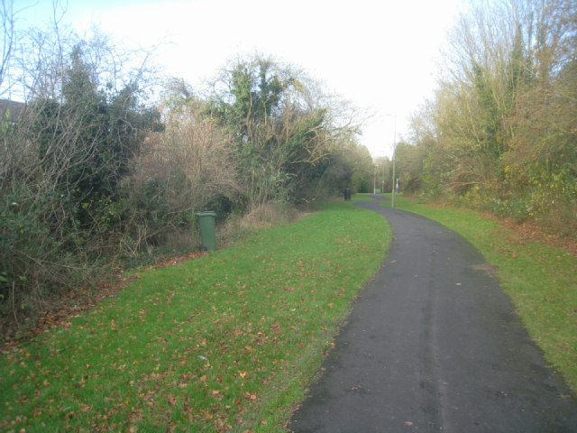 Path parallel to Woodbury Road