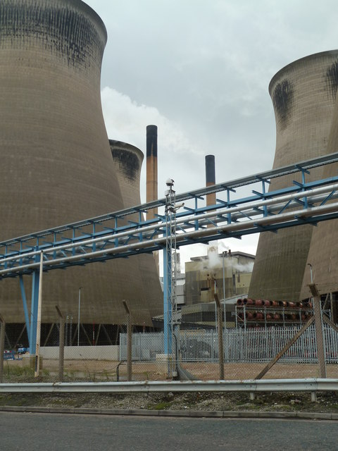 Ferrybridge Power Station - cooling towers and chimneys