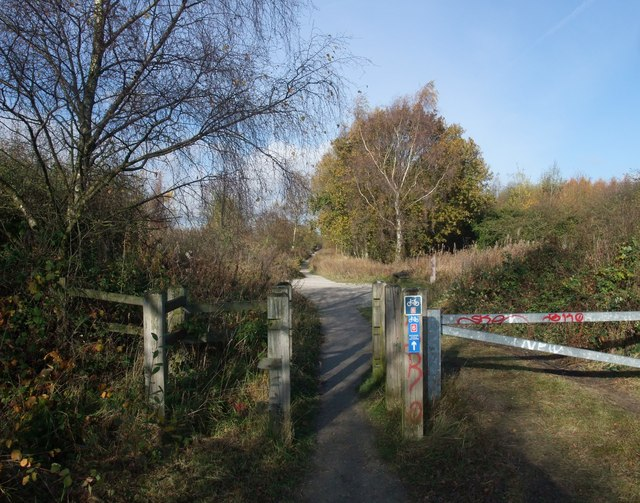 The Linby Trail approaching Freckland Wood