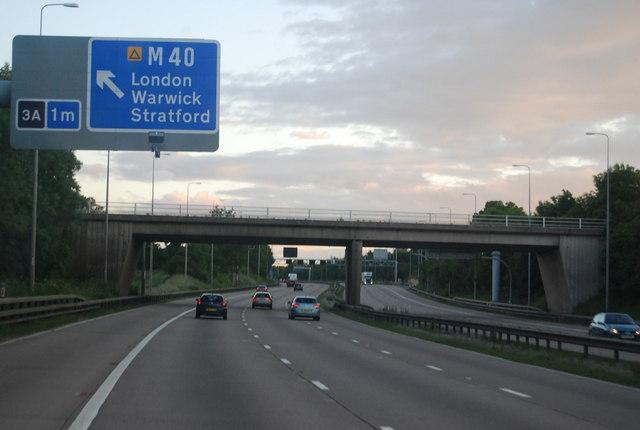 Approaching Kineton Bridge, M42
