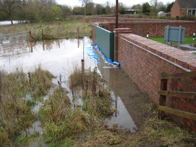 Uckinghall flood defence in action