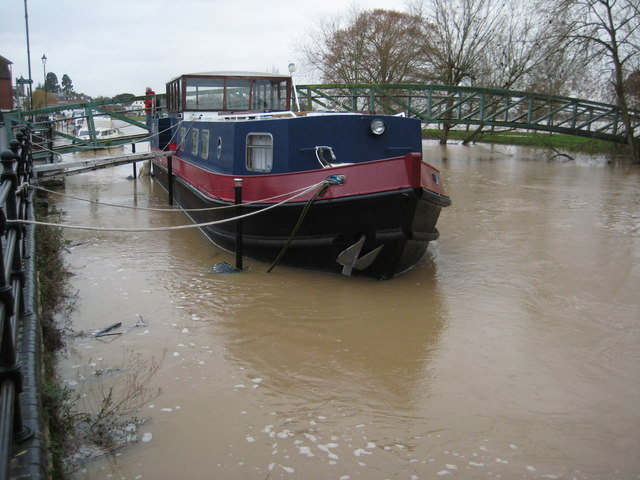 Barge on Mill Avon