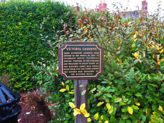 Victoria Gardens sign, Tewkesbury
