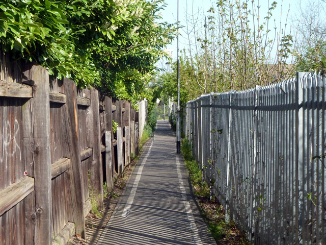 Path by the railway, Upminster