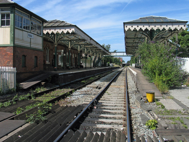 Hale Railway Station