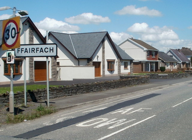 Houses at the western edge of Ffairfach