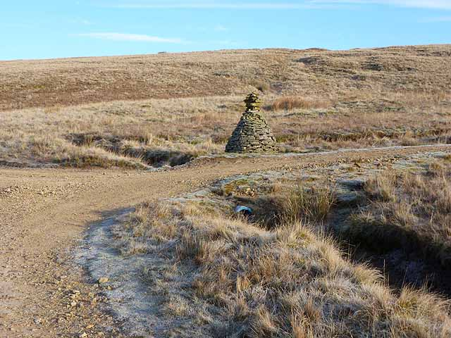 Cairn at the top of Byerhope Bank