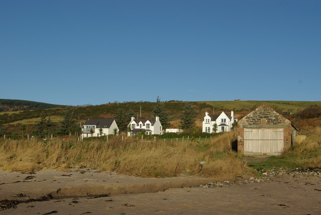 Kildonan Beach & boathouse