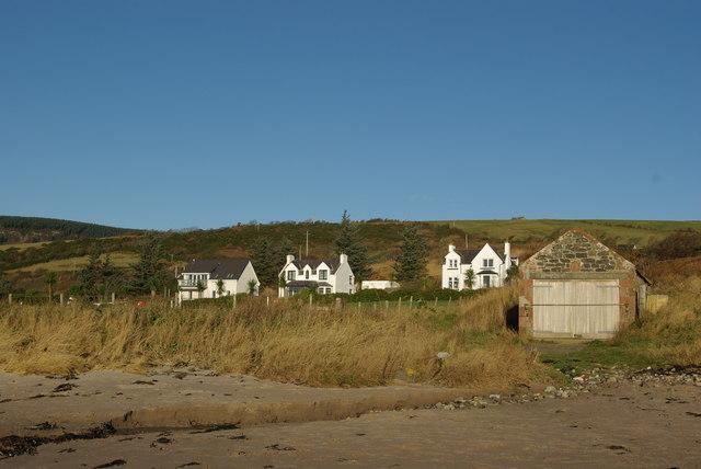 Kildonan Beach & boathouse