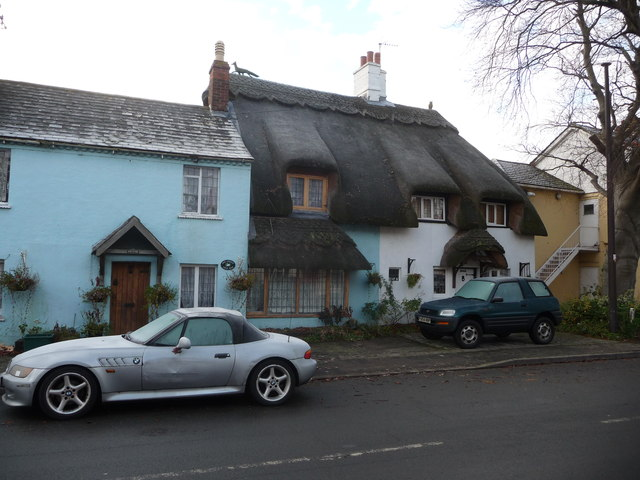 Thatched cottages on Main Road, Wyre Piddle