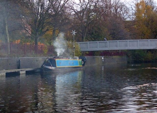 Narrow boat at Castle Gardens moorings