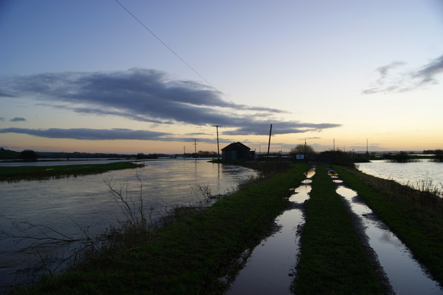 The River Yeo overflowing into fields at Long Load