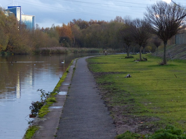 New landscaping along the Grand Union Canal