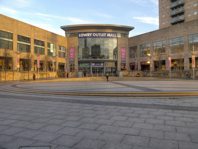 Lowry Outlet Mall, Lowry Square