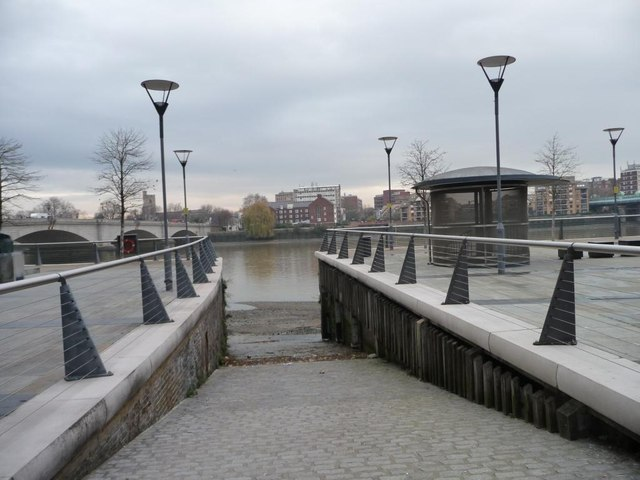 Slipway on the south bank of the Thames