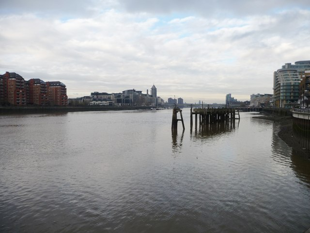 The Thames below Wandsworth Bridge