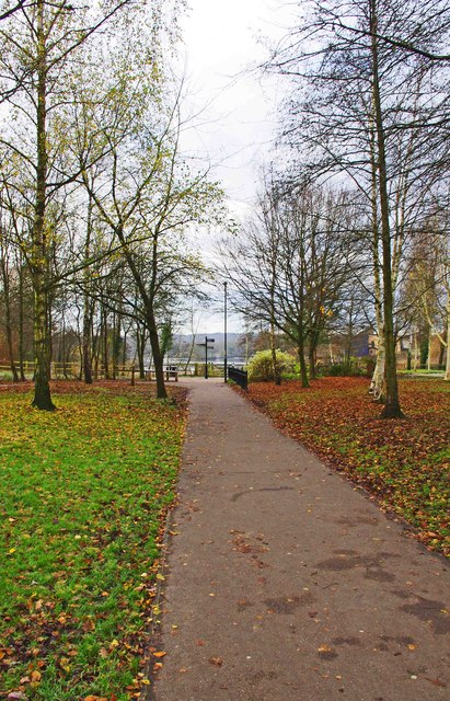 Path from car parks to the lake, Arrow Valley Country Park, Redditch