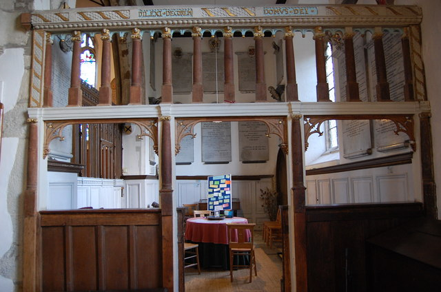 Screen at entrance to Dering Chapel, Pluckley church