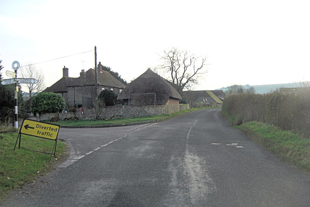 Unnamed road junction north of Lower Farm