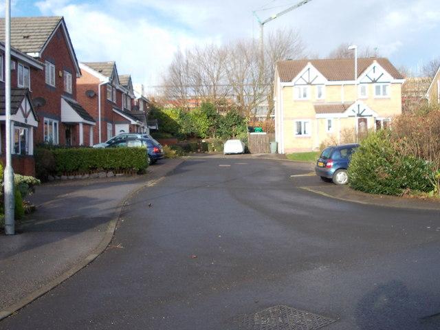 Stonedene Court - Fairfield Road