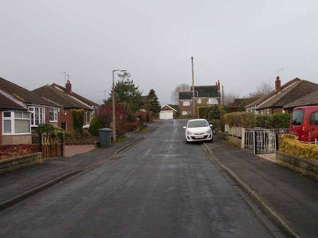 Delmont Close - looking towards White Lee Road