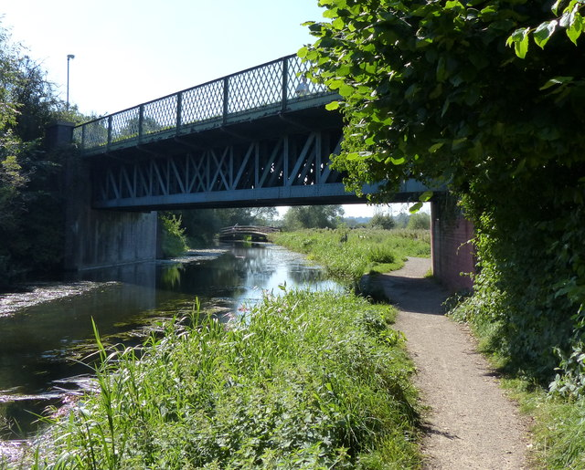 Former railway bridge over the canal