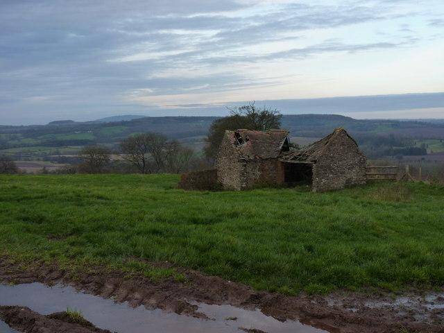Field barn - mucho collapso