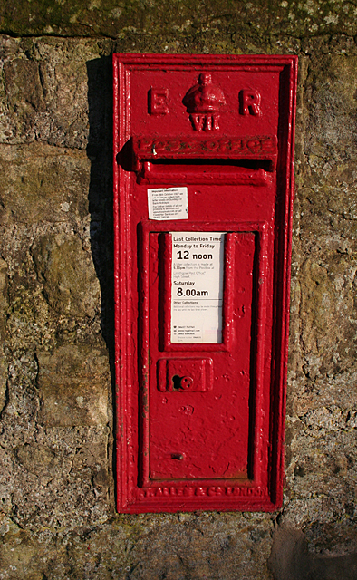 Kingscavil Post Box