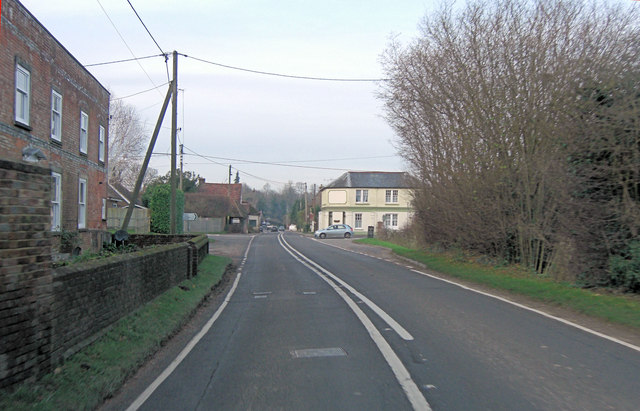 A32 crossroads with Brightstone Lane