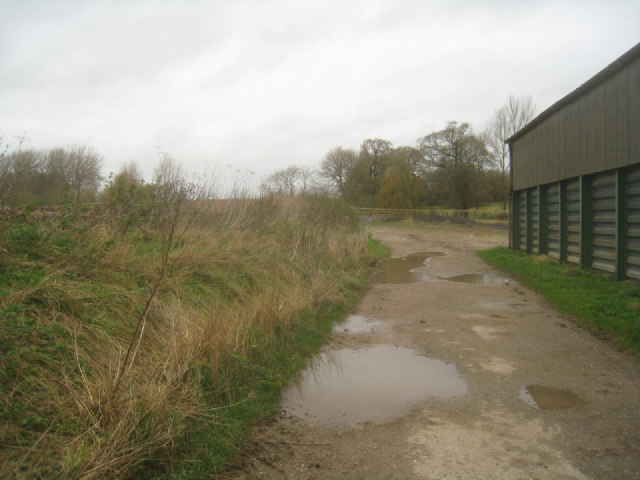 Public footpath through Rookery Farm