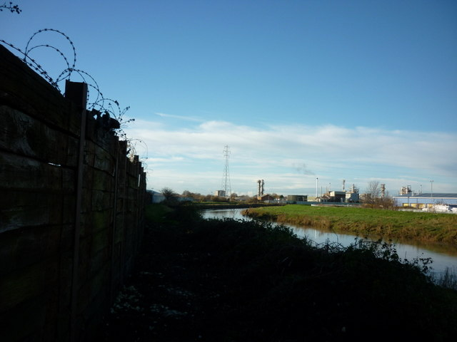 The riverside path along the River Hull