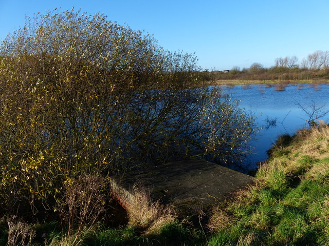 Small lake alongside the A563 Lubbesthorpe Way