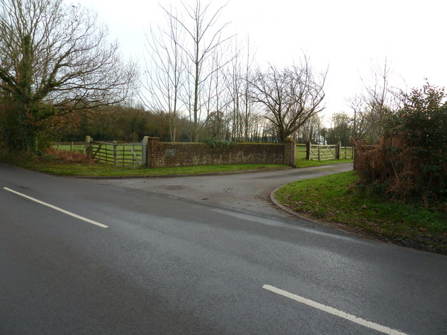 Entrance to Stanes Farm on Hares lane