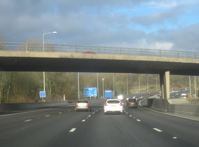 M25 - passing under Solesbridge Lane